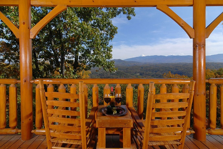 Over The Top is a Luxurious 2 Bedroom, 3 Bath Log Cabin, with loft that sleeps 10 in comfort, located on Legacy Mountain, near all the attractions of Gatlinburg, Pigeon Forge and the Great Smoky Mountains National Park. Be sure to settle down in the rocking chairs on the deck and delight in the magnificent views. Gatlinburg/Pigeon Forge Tennessee