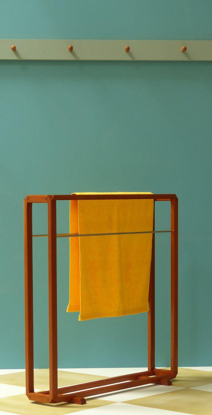 die besten 25 handtuchst nder holz ideen auf pinterest pinterest shabby chic shabby shop und. Black Bedroom Furniture Sets. Home Design Ideas