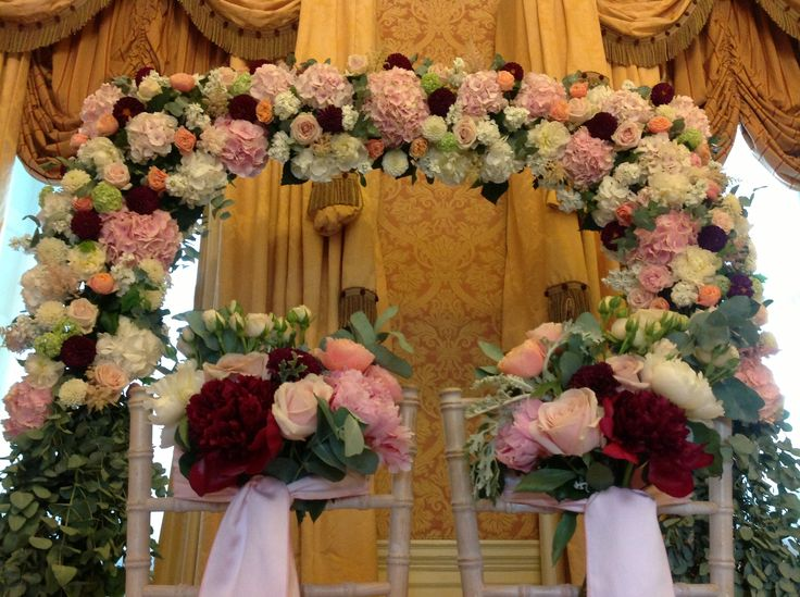 One of our recent creations for a wedding in our Adam and Deirdre suite. #floralarch