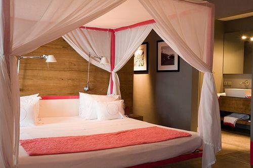 Canopy: Pink Oasis, Bedrooms Re Do, Decor Ideas, House Ideas, Future Archibald, Dreams House, Dreamy Bedrooms, Canopies Beds, Bedrooms Ideas