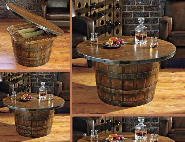 Table de salon et espace de rangement comme un bar avec un vieux baril de bois