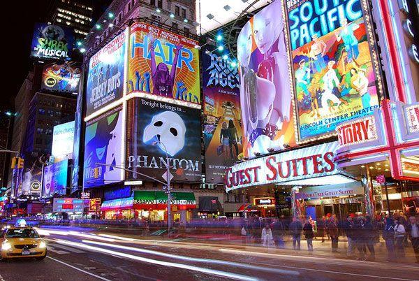 Broadway Musical  http://visitarnovayork.com/musicais-da-broadway/