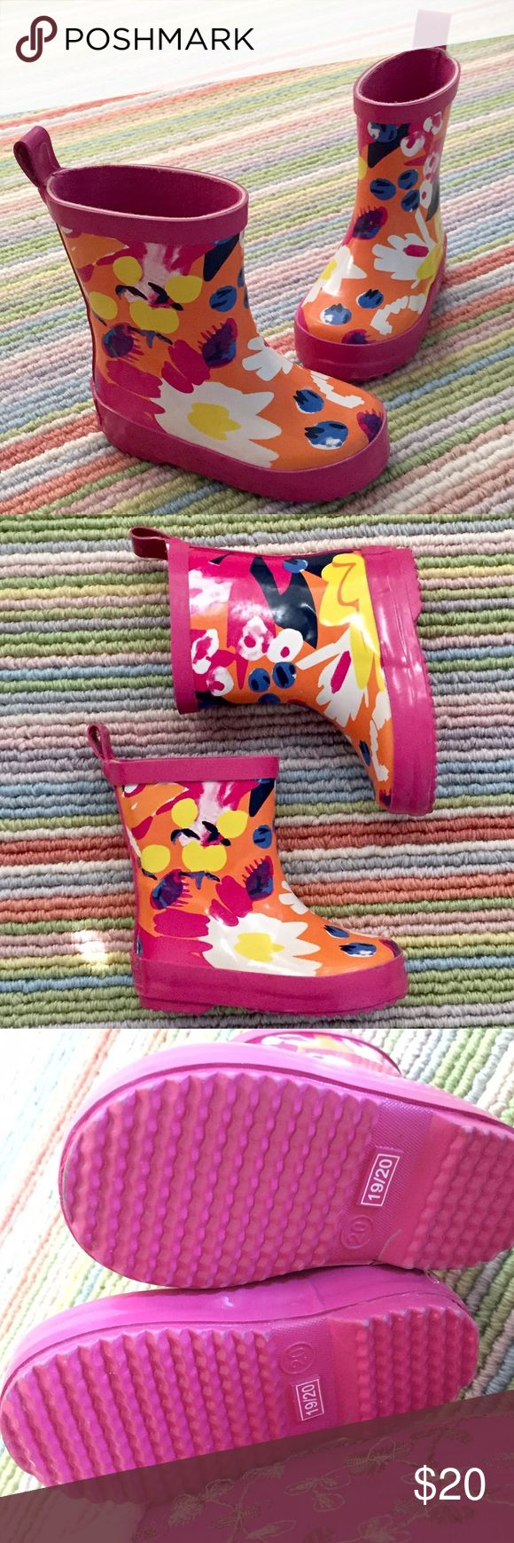 CATIMINI PINK RUBBER RAIN BOOTS size 19/20  4-4.5 CATIMINI pink rubber wellies rainboots. Floral pattern.  Worn but never walked in.  Euro size 19-20.  US size 4-4.5. Catimini Shoes Rain & Snow Boots