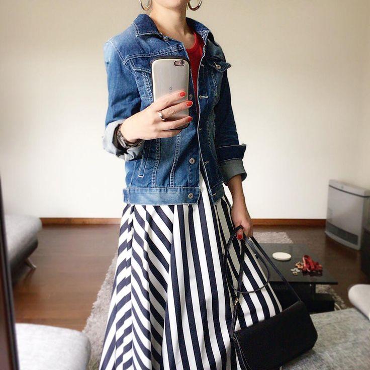 """좋아요 171개, 댓글 31개 - Instagram의 miki(@milky570)님: """"#9月 寒くてGジャン出しました。 今日はこの後、ヘアカラーして黒くしたんですが 違和感。。。(ーー;) #今日の服 #gジャン #antiqua #ストライプスカート #it #赤tシャツ…"""""""