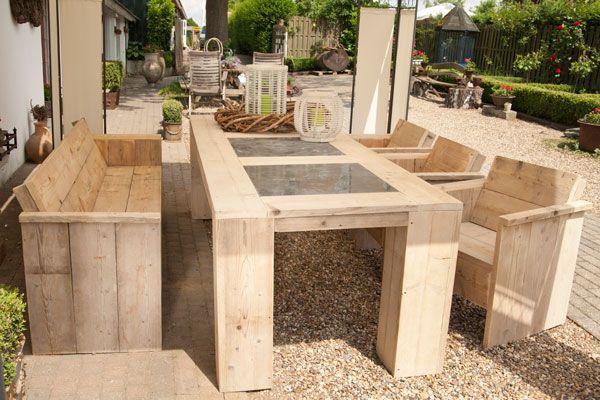 steigerhout tafel en bank en stoelen