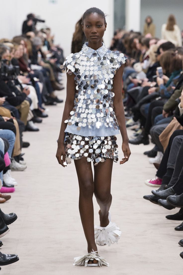 Paco Rabanne Fall 2018 Ready-to-Wear Fashion Show Collection