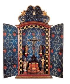 Oratório Ermida Época: Século XIX Material/Técnica: Madeira recortada, entalhada, policromada e dourada. Origem: Pernambuco