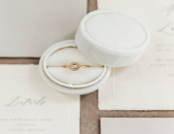 Ring Box Vintage Style Oval Box in Wedding Cake Wh…Edit description