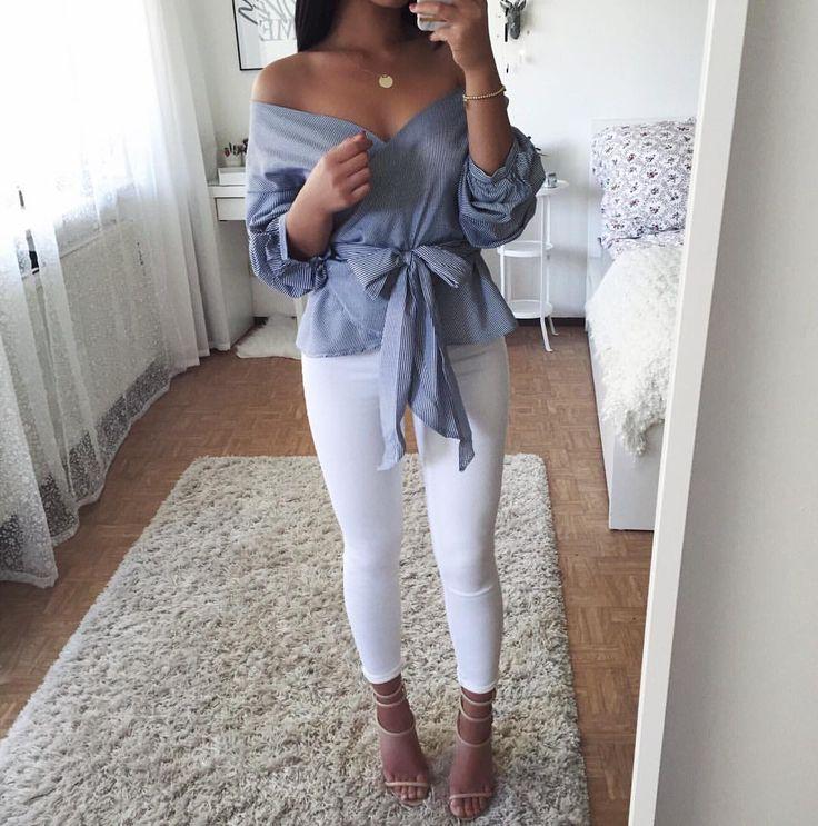"11.9k Likes, 78 Comments - Thanya W. (@thanyaw) on Instagram: ""Könnt ihr mir gute Reiseportale empfehlen?  Jeans: @fashionnova (save money with 'XOTHANYA') """