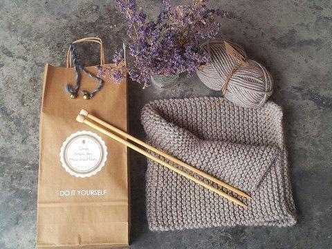 Chaqueta de lana con capucha