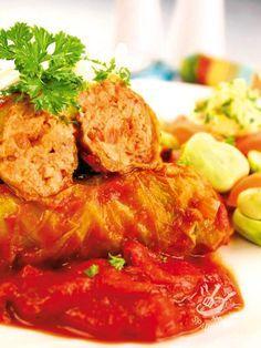 Cabbage rolls - Gli Involtini vegetariani di cavolo sono un secondo sano e appetitoso, ideali anche come stuzzichino per rallegrare un apericena a base di verdure. #involtinidicavolo