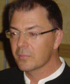 Yves Wauthier - Psychothérapeute Hypnothérapeute, formateur et superviseur Spécialisé en thérapies brèves orientées vers les solutions, et en traitement du stress post-traumatique, spécialisé en gesti