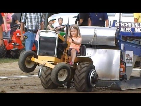 Garden Tractor Pull at Fair - Washington County Pa 2016 - YouTube