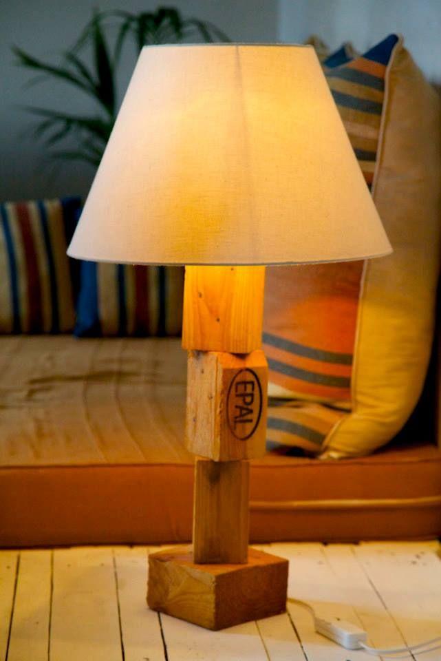 Mejores 13 im genes de muebles artesanos de madera - Lamparas con palets ...