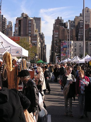 Hell's Kitchen Flea Market, NY.Located on West 39th Street between 9th & 10th Avenues and open 9 a.m.-5 p.m. every Saturday and Sunday all year long (weather pending), the market's Hell's Kitchen South location is near the Port Authority Bus Terminal and Times Square.