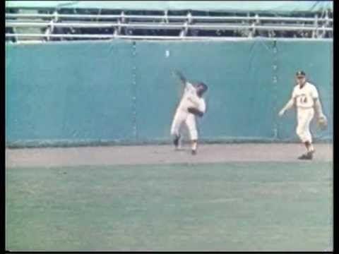 Roberto Clemente - Baseball Hall of Fame Biographies