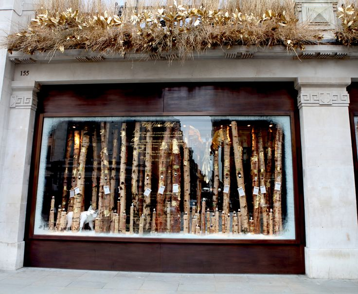 @wosofficial go for gold this #Christmas in #RegentStreet.