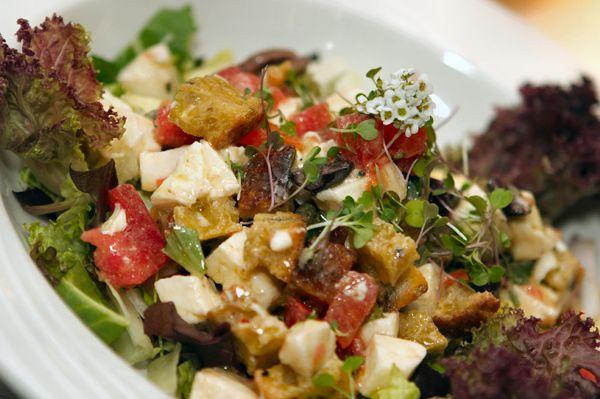 Panzanella: Italian bread salad recipes   Healthy Living   Pinterest
