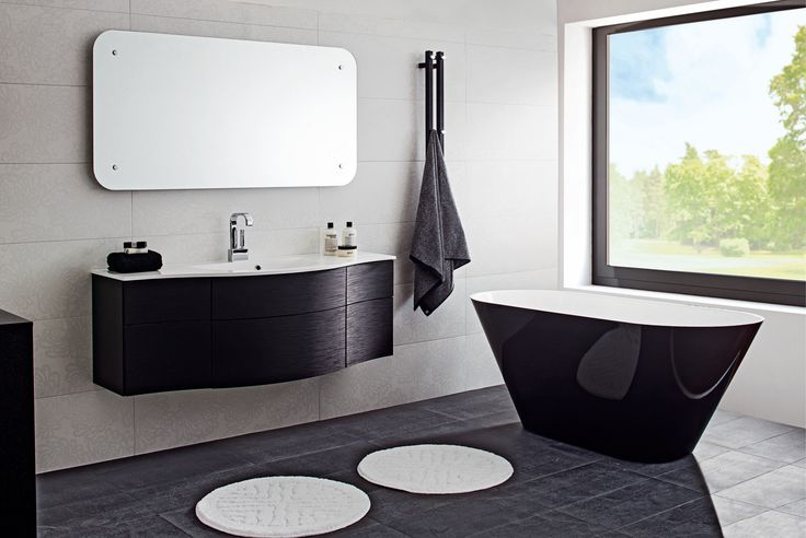 Oval-amme on nyt saatavilla tyylikkään mustavalkoisena. Ulkoasu on tulos Svedbergsin ja Pelican Copenhagenin suunnittelijoiden yhteistyöstä. - Oval-bathtub is now available in black and white colors. It's result of teamwork between Svedbergs and Pelican Copenhagen designers.