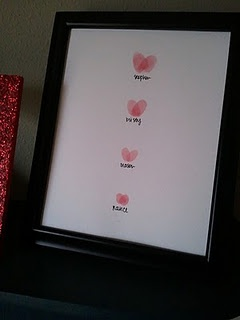 valentine finger print art...adorable! Have the kids do this for mommy as a Valentine's Day or Mother's Day gift