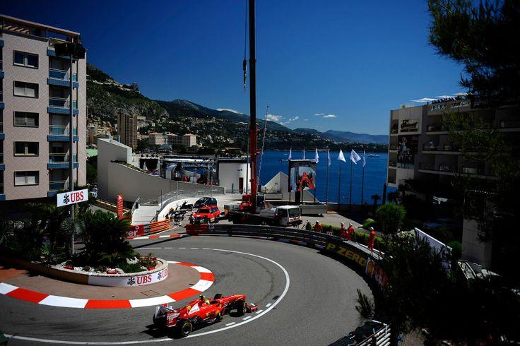 """Un gran piloto decía: """" correr en Mónaco es como usar tu bicicleta en la sala de tu casa"""" Un GP clásico y de mucho Glamour..."""