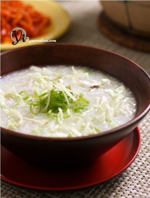 Congee is a one of my favorite Chinese comfort foods and it is a great dish to stay healthy in the hot summer day. Learn to make this delicious Cantonese Congee with Mince Pork dish with easy steps.