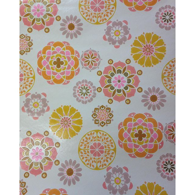 """""""Only 5 rolls left of this groovy early 70s washable wallpaper by Melody Mills Wallpapers! £25.00 per roll, total bargain, email or call us to snap it up now! #wallpaper #vintagewallpaper #retro #kitsch #chintz #vintage #1970s #1970svintage #design #setdesign #perioddecor #midcentury #interiorstyling #ewmoore #eastlondon #floralwallpaper #melodymills"""" Photo taken by @ewmoore1906 on Instagram, pinned via the InstaPin iOS App! http://www.instapinapp.com (01/08/2016)"""