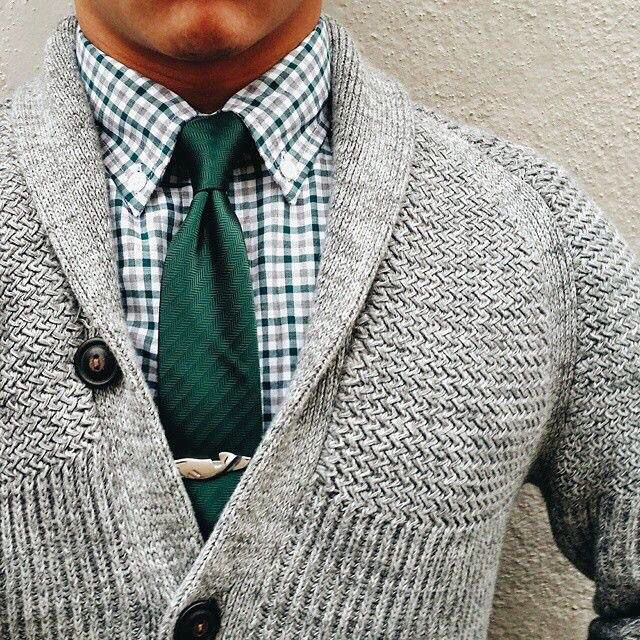 INSPIRATION....NO PATTERN...Nice shirt/tie combo!