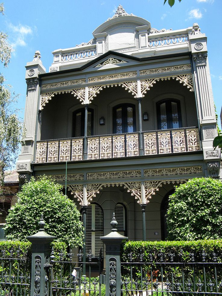 https://flic.kr/p/5BSKkL | Albert Park Architecture | This residence is one of a number of restored and richly detailed Victorian Filigree terrace houses that line Canterbury road in the Melbourne suburb of Albert Park.