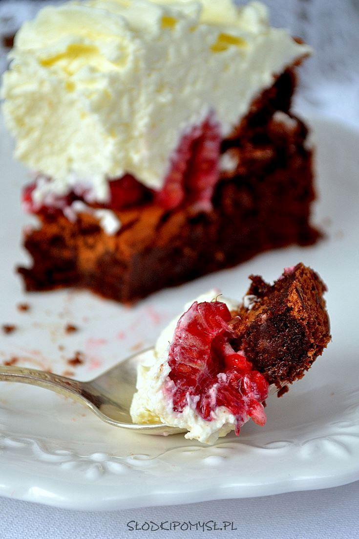 Malinowy Wulkan to wybuchowe połączenie malin z czekoladą i kremem kokosowym! Idealne ciasto dla osób z nietolerancją glutenu.