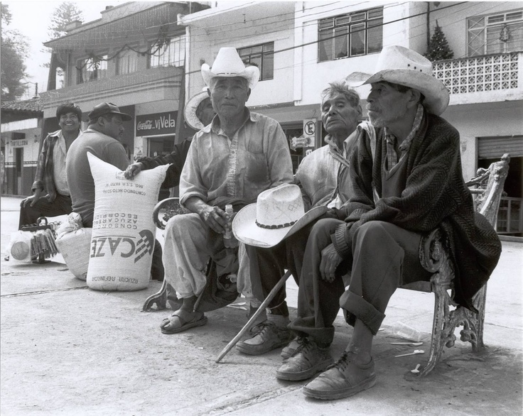 Old men waiting , main plaza Tequila, Veracruz