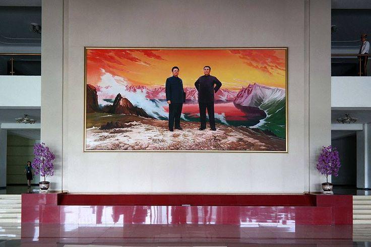 North Korean interiors/Photos by Oliver Wainwright