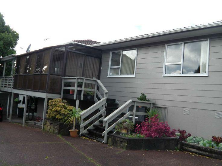 Homestay Auckland, Auckland, New Zealand. Shaun and Stephen - HomestayIn.com