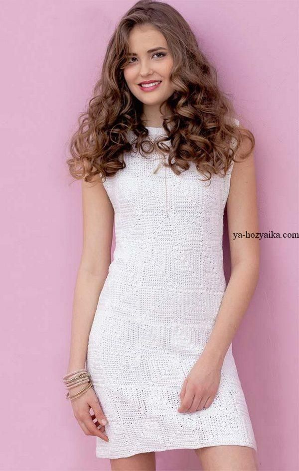 Белое платье с узором из квадратов крючком