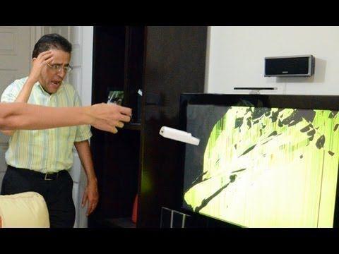 Rompimos la TV con el control del Wii   Videos de risa, bromas graciosas, accidentes con el wii - YouTube