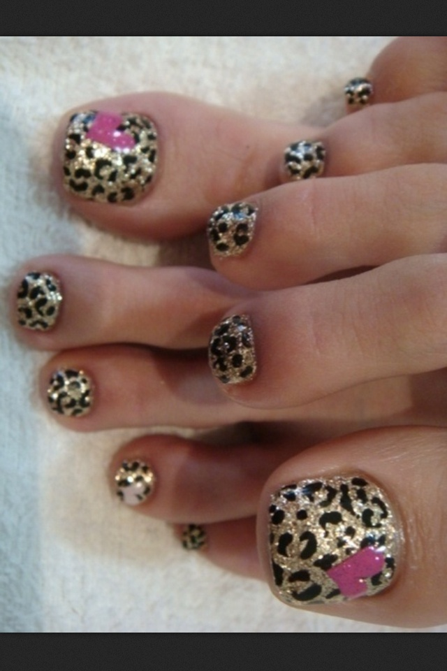 Super cute pedicure - cheetah