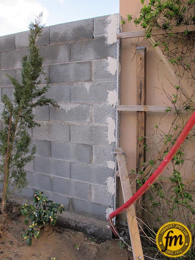 Fondation Mur De Parpaing Fondation En Bloc De Chainage Fondation En Bloc A Bancher Monter Un Mur De Parpa Parpaing Mur En Parpaing Enduire Un Mur Exterieur