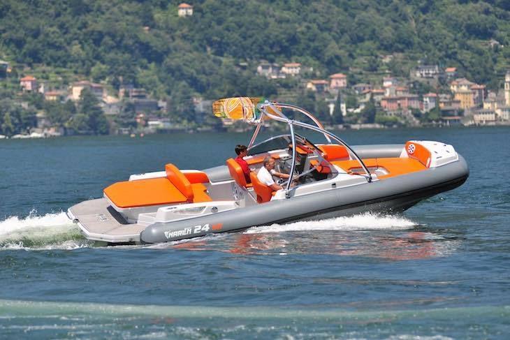 Le Marlin 24 SR, semi-rigide bowrider pour fans de glisse !