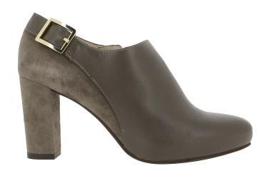 ¡Botines de la marca Unisa en Zapaterías el valle!  Te ofrecemos nuestros  Zapatos Unisa, zapatos comodos. Zapaterías El Valle .Fabricados en piel y  Hecho en España. Venta en San Sebastián de los Reyes, Alcobendas, Tres Cantos y http://www.zapateriaselvalle.com/  ENVIO GRATIS