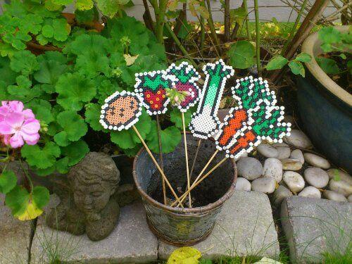 Wonderful garden labels made with NABBI  ironing / fuse beads