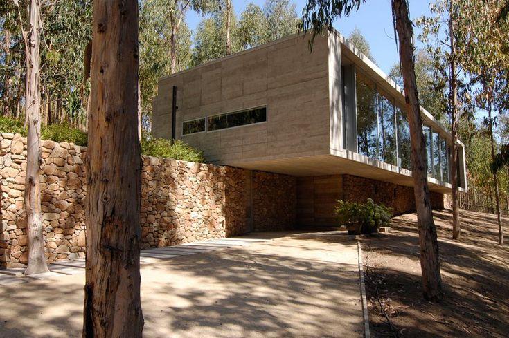 Omnibus House by Gubbins Arquitectos, Cachagua, Chile