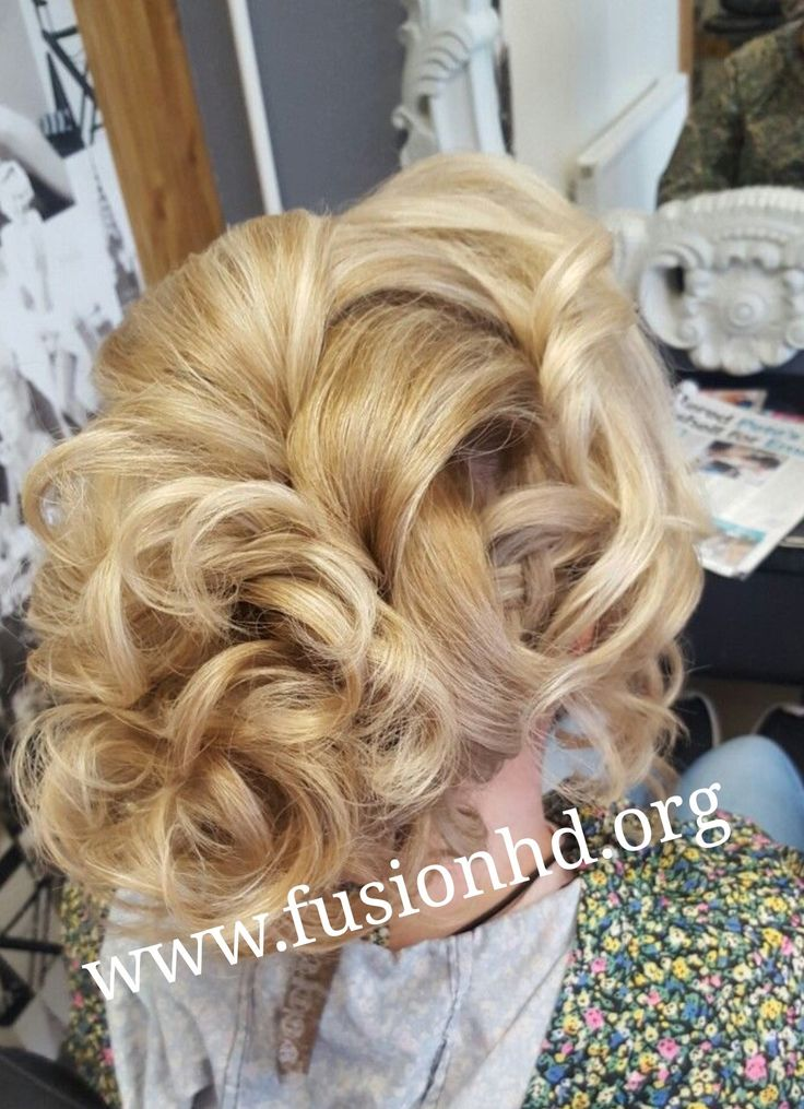 Soft curls in an updo perfect wedding style #fusionhd