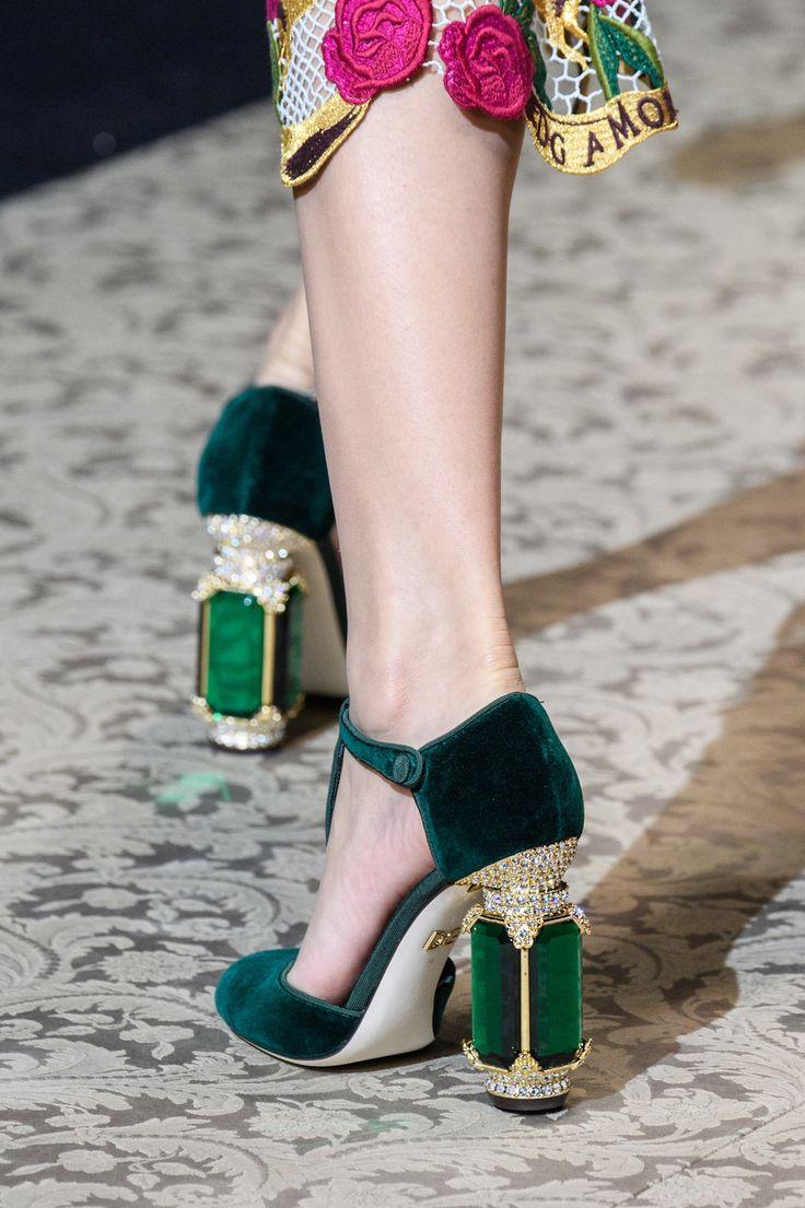 правильно картинки обуви женской дольче габбана декор серебра натуральных
