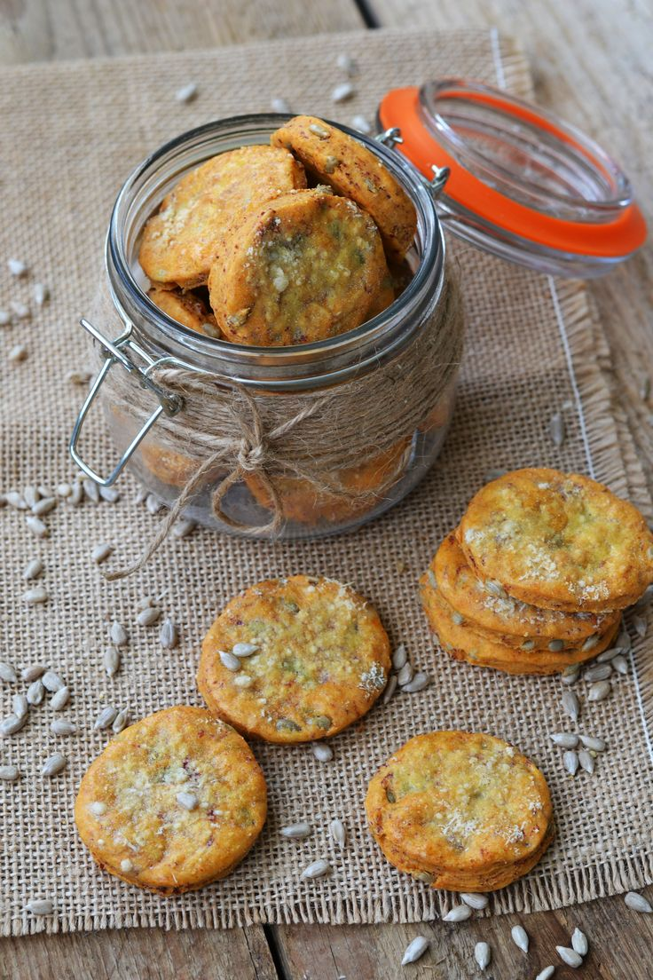 Bresaola and parmesan biscuits