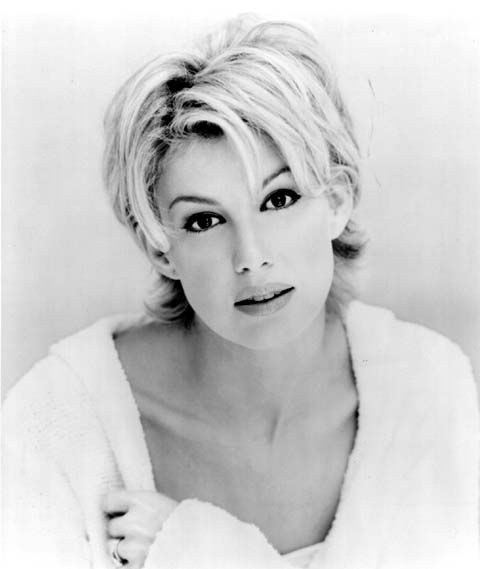 haircuts of faith hill | Hair Style Faith Hill Medium Length Curly Style Free Women 610 X 868 ...