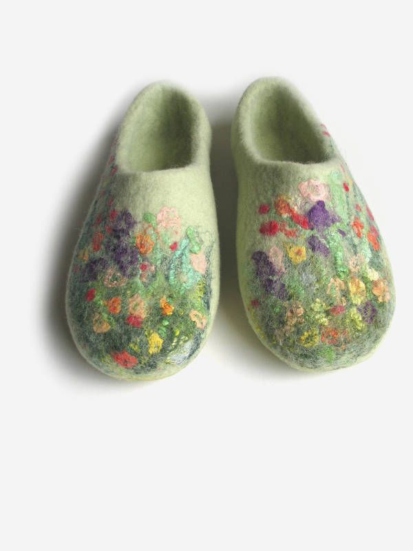 Mother slippers Felt in handmade Mom wool slippers Felted house shoes Women felt slippers with flowers Moms gifts Slippers on stock Shoe by FeltingLT on Etsy