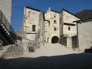 Castel Beseno è la più importante e imponente struttura fortificata del Trentino Alto Adige