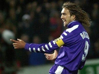 Gabriel Omar Batistuta. BATI BATI BATI BATIGOL!!! What a powerfull player!