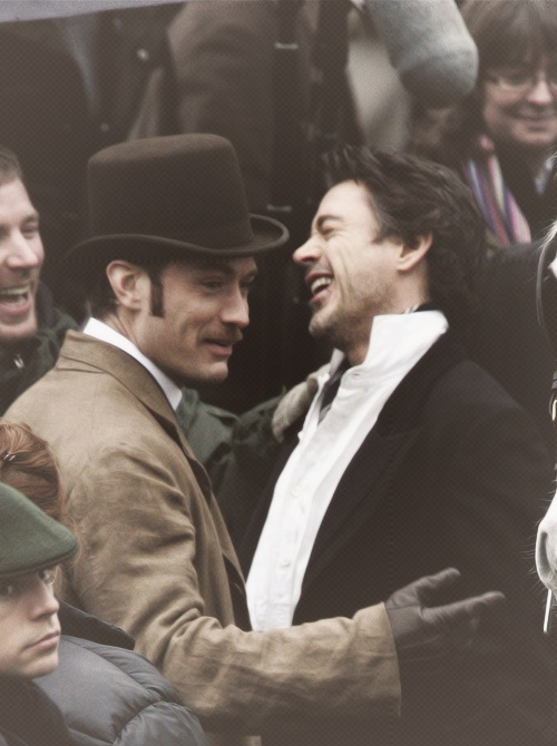 "Jude and Robert between takes, ""Sherlock Holmes"""