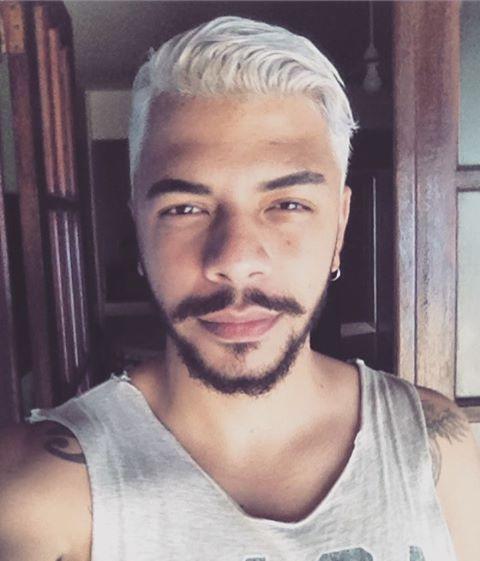 """32 Me gusta, 2 comentarios - Se Você Veio, Sorria. (@cadavirgulaminha) en Instagram: """"You know who- #nasa #usa #newyork #belt #cadavirgulaminha #whitehair"""""""